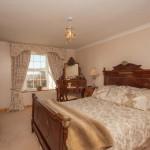 honeysuckle-main-bedroom